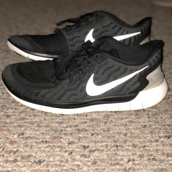Nike Shoes Dame Free Run 50 SneakerPoshmark Gratis løb 50 Poshmark